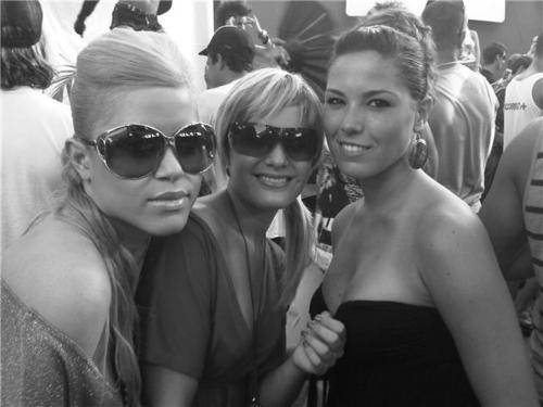 Lili, Noemi y YoO!!! Os kierooo!